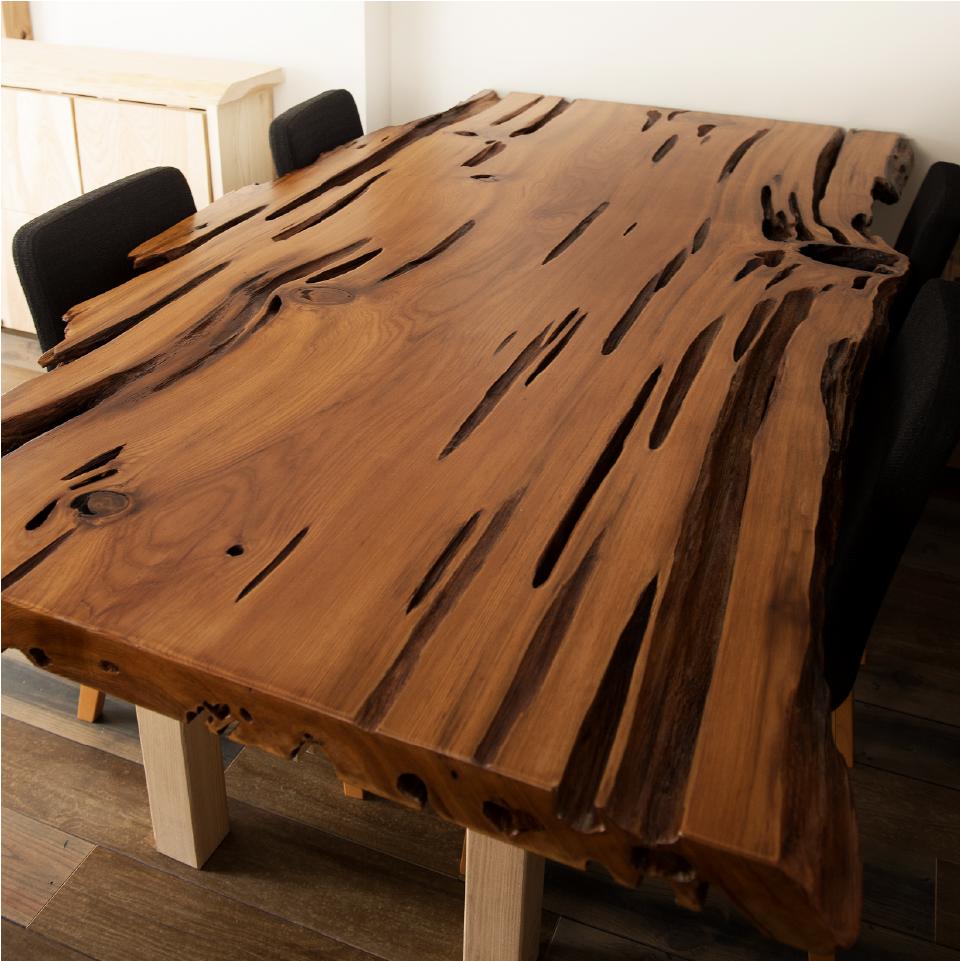 ご神木のテーブル
